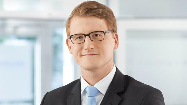 Benedikt Salleck ist Rechtsanwalt für Wirtschaftsrecht und Unternehmensrecht bei Salleck und Partner in Erlangen